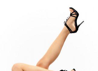 piernas-largas-con-sandalias